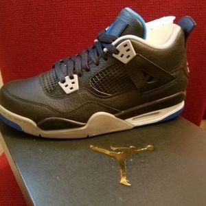Authentic Air Jordan 4 Retro BG Size 6.5Y